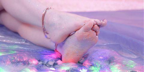 Glitter Shiny Sexy Feet Tease 4k free porn sex foot fetish