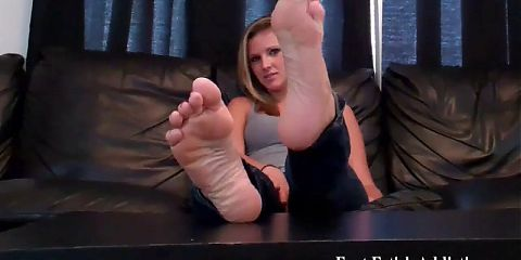 I want to help you indulge your foot fetish