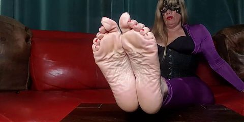 Come Chat with Me, My Foot Slaves