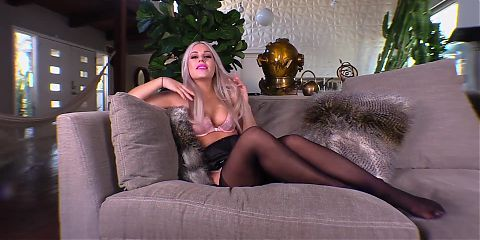 Jessica the ultimate femme fatale for Virgin loser