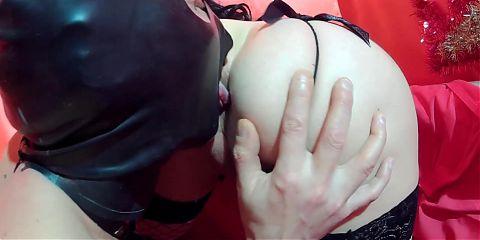 Mistress Alice dominates the obedient slave guy. (part 2)