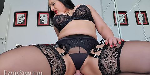 Riding hubbys face to my orgasmic pleasure (preview)